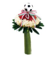 Nemzeti színű szárazvirág csokor focilabdával